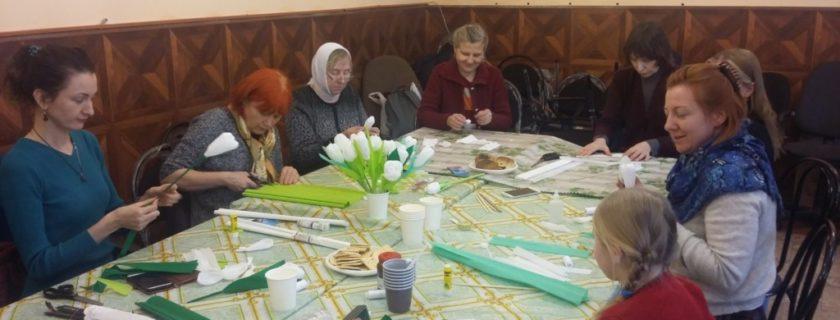 Более 50 «белых цветов» сделали общинники семейных клубов трезвости в рамках Всероссийской акции